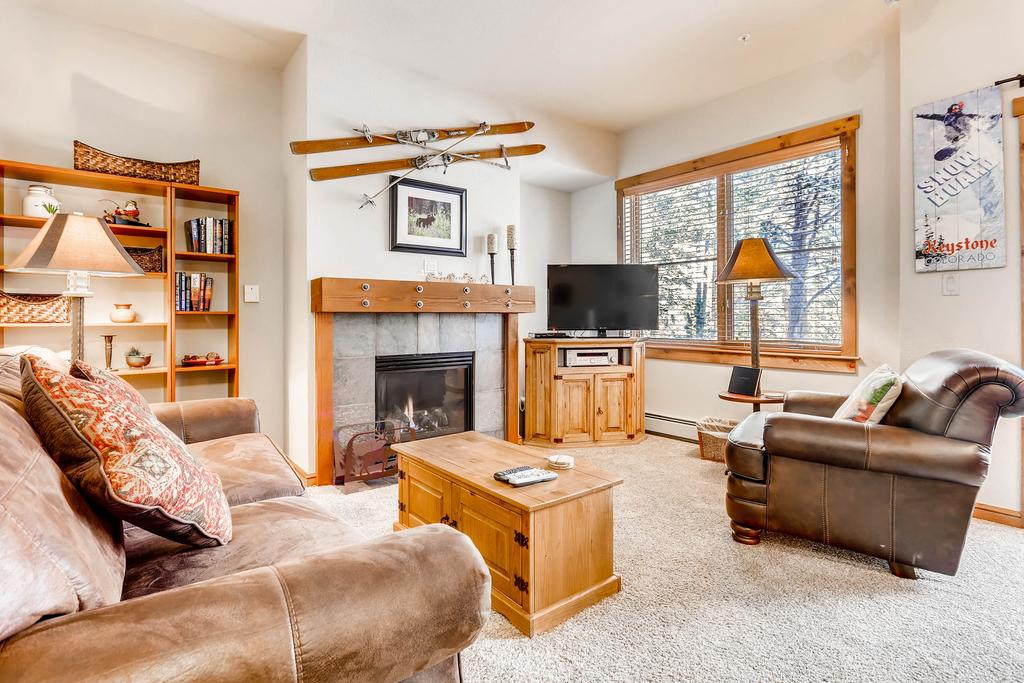 Gorgeous Premier Seasons Townhome- 1Br/1Ba- Kids Ski Free Condo
